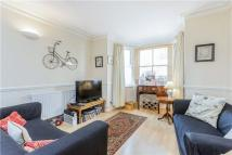 2 bedroom property to rent in Battersea Rise, London