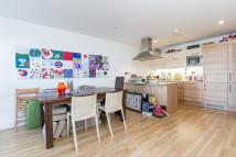 2 bedroom Flat to rent in Wandsworth Road SW8