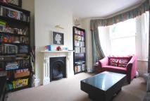 2 bedroom Flat to rent in Bramfield Road, London