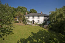 4 bed property for sale in Mawnan Smith, Cornwall