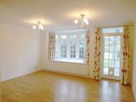3 bed house in Spinney Close, New Malden
