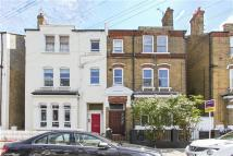 Flat in Oxberry Avenue, London