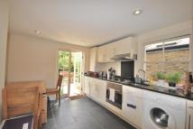 Flat to rent in St Maur Road, Fulham...