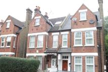 Flat to rent in Leigham Vale SW16