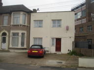 2 bedroom End of Terrace house for sale in Kingswood Road, Ilford...