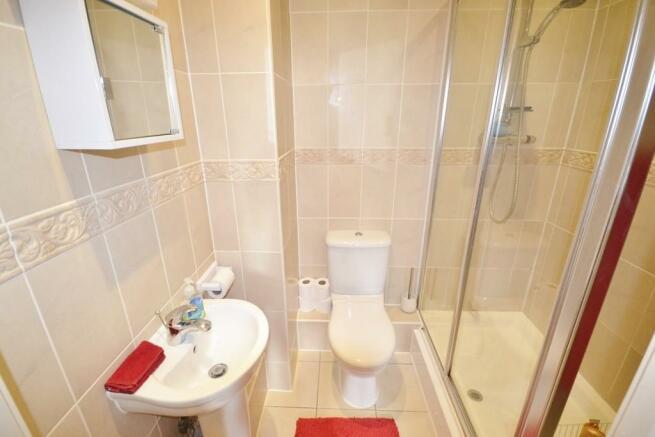 Bathroom & En Su