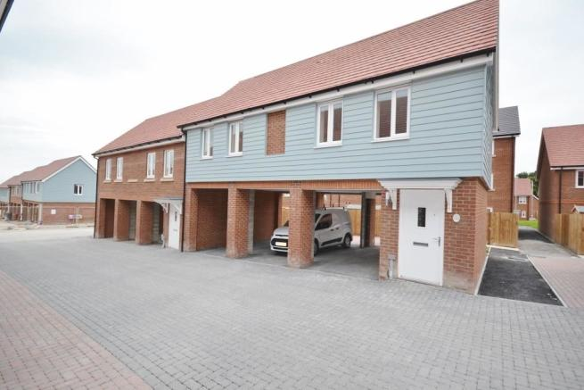 2 Bedroom Maisonette To Rent In Weavers Close Eastbourne BN21 BN21