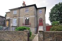 4 bed semi detached house for sale in Stamford Grove West...