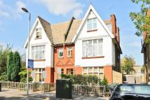 Flat in Berrylands Road, Surbiton