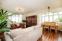 3 bedroom Flat for sale in Kingston Hill...