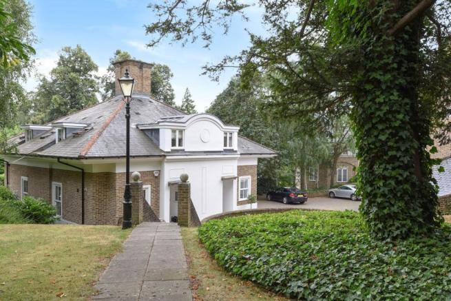 3 bedroom semi detached house for sale in kingston hill place kingston upon thames kt2