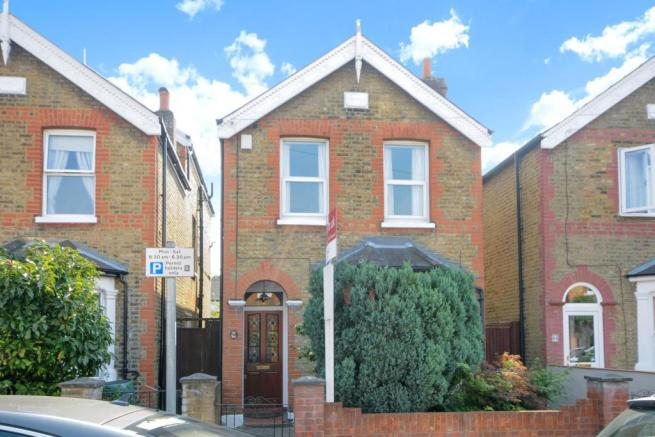 3 bedroom detached house for sale in deacon road kingston upon thames kt2
