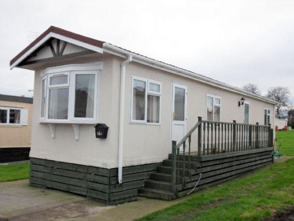 Picture 1. 2 bedroom detached house for sale in Shaws Trailer Park