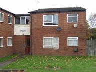 2 bedroom Flat to rent in Peak Drive, GORNAL...