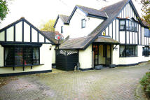 4 bedroom Character Property for sale in London Road, Billericay...