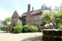 6 bedroom Detached home in Little Warley Hall Lane...