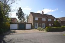 3 bed property in Beehive Lane...