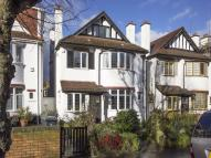 6 bedroom Detached home in Vallance Road...