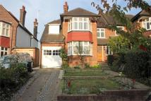 4 bedroom Detached house in Ringwood Avenue...