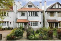 5 bed Detached home in Vallance Road...