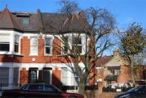3 bedroom End of Terrace property in Victoria Road...
