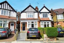5 bed Terraced house for sale in Woodberry Crescent...