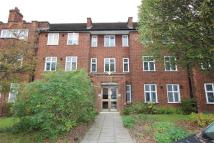 Flat in Haslemere Road, London