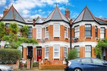Flat for sale in Nightingale Lane...