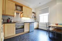 Flat to rent in Moray Road, Stroud Green...