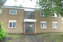 Maisonette to rent in Braceby Avenue...