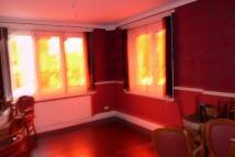 Studio apartment in Stratford Road...