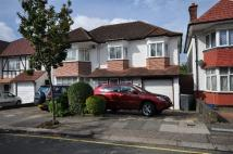 4 bed house in Crespigny Road, London...