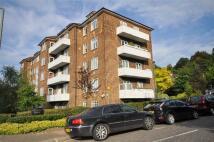 3 bed Apartment in Heathway Court...