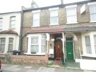 4 bedroom home in Brent View Road, London...