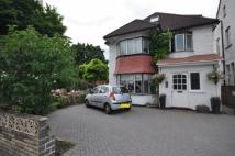 4 bed property in Finchley Lane, London...
