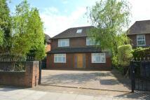 6 bedroom house in Brampton Grove, London...