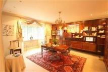 7 bed Detached house in Cedars close