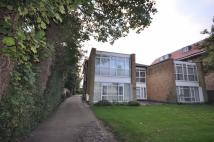 Flat to rent in Sunningfields Road