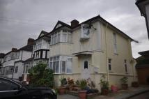 Flat to rent in Rushgrove Avenue