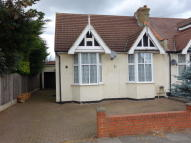 Semi-Detached Bungalow in TRENANCE GARDENS, Ilford...