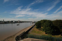 2 bed Flat to rent in The Reflection, London...