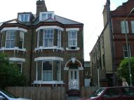 Studio flat in Boundaries Road, Balham