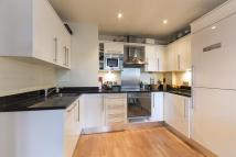 2 bedroom Apartment in Romney House...