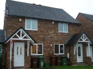semi detached house to rent in Phoenix Court Wakefield