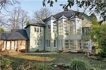 6 bedroom Detached property in South Drive...