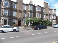 Flat in Strathmartine Road...