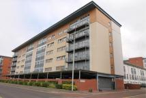 Flat to rent in South Victoria Dock Road...