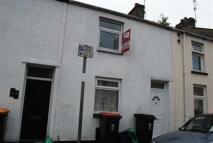 2 bed house in Jones Street, Newport