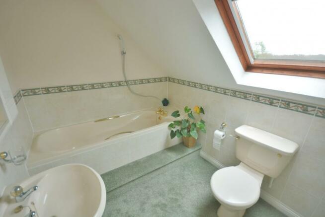 First Floor En suite Bathroom