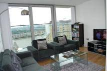 Flat to rent in Marsh Wall, London